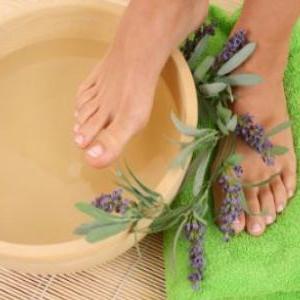 Вросший ноготь на ноге: лечение в домашних условиях, народные средства