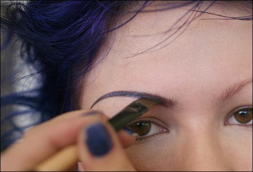 Как красить густые брови