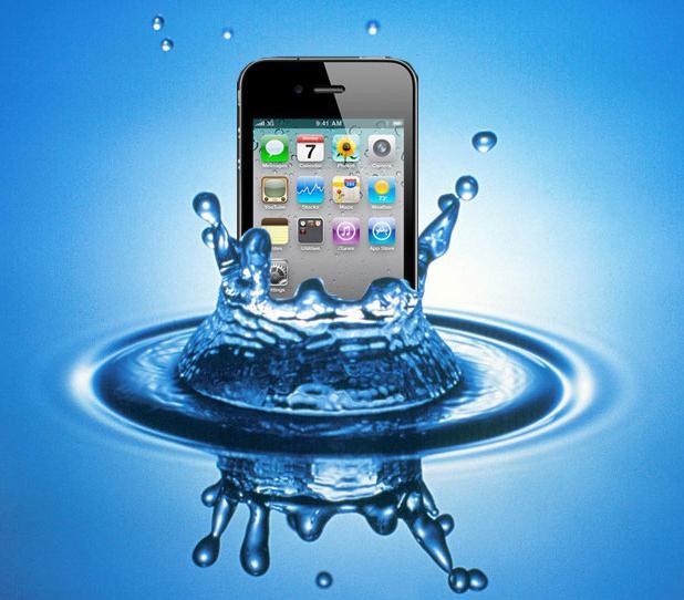 Уронил айфон в воду что делать