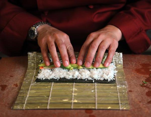 Роллы как сделать так чтобы рис не разваливался