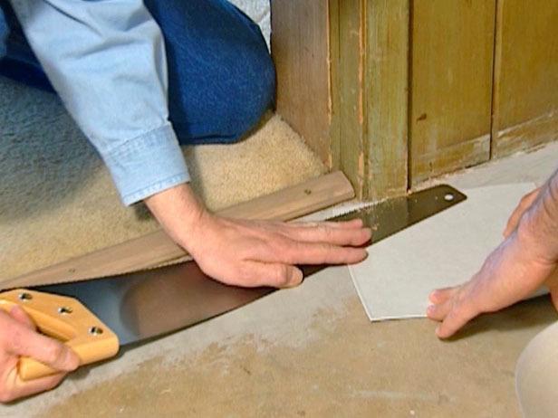 Видео как стелить линолеум на фанеру своими руками