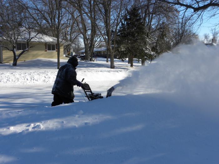 самодельный снегоуборщик из бензопилы