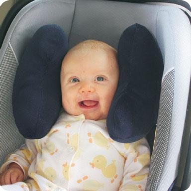 Когда младенцы начинают держать головку