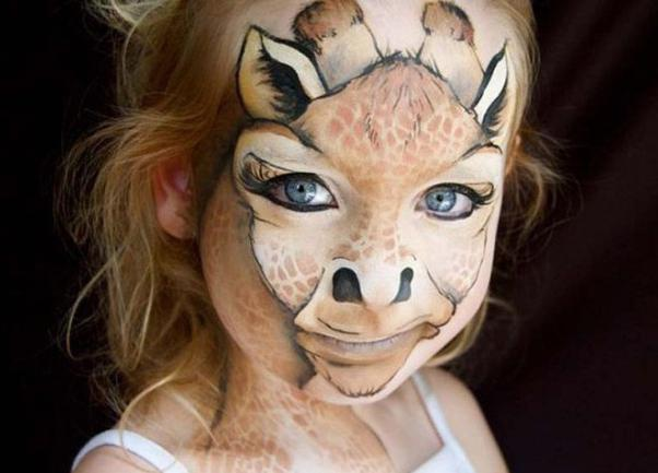 какими красками рисуют на лице