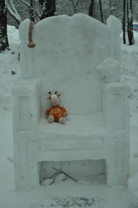 мнежные фигуры из снега