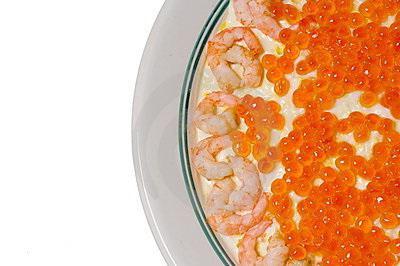 салат царский с красной икрой и кальмарами