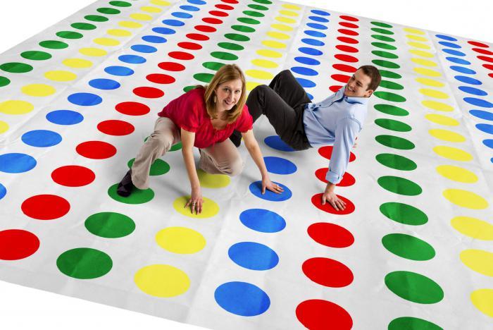Во что можно поиграть дома вдвоем? Веселые игры дома для двоих участников