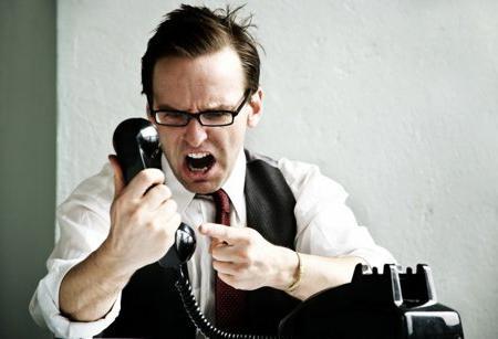 Как напугать коллекторов по телефону
