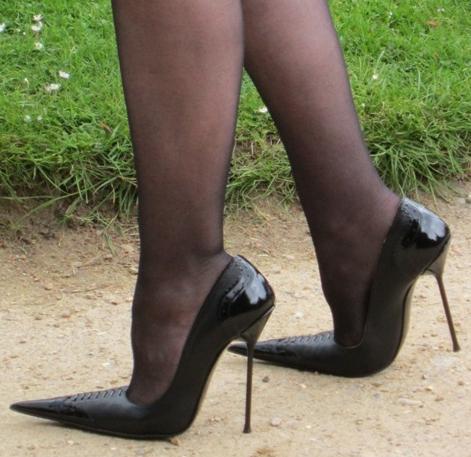 Сводит пальцы ног, причины