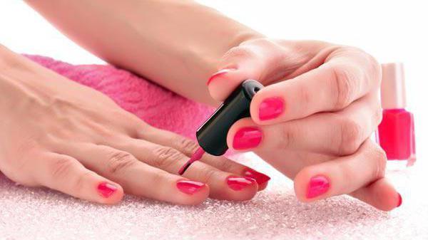 Что значит сон красить ногти