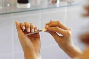 от чего ногти становятся волнистыми