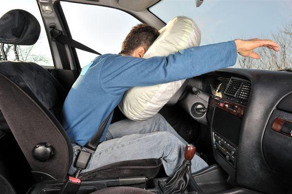 водительская подушка в действии