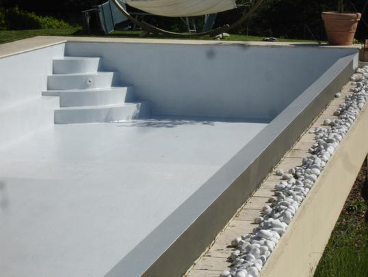 В бассейне гидроизоляция открытом