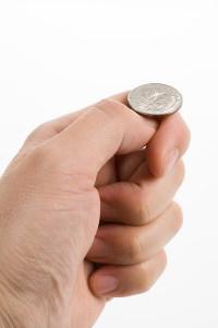 фокус с монеткой за ухом