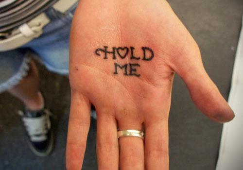 татуировка на ладони