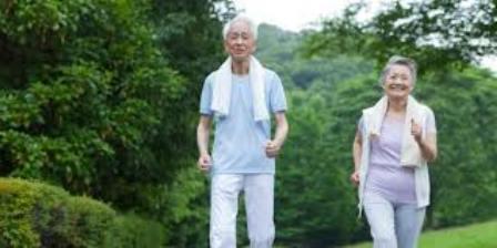 Утренняя зарядка для пожилых людей: особенности, упражнения, правила и рекомендации