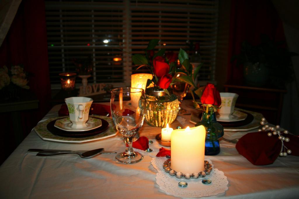 помню, фото ужина при свечах геленджике