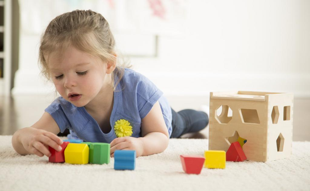 development of children of 9 months according to the Montessori method
