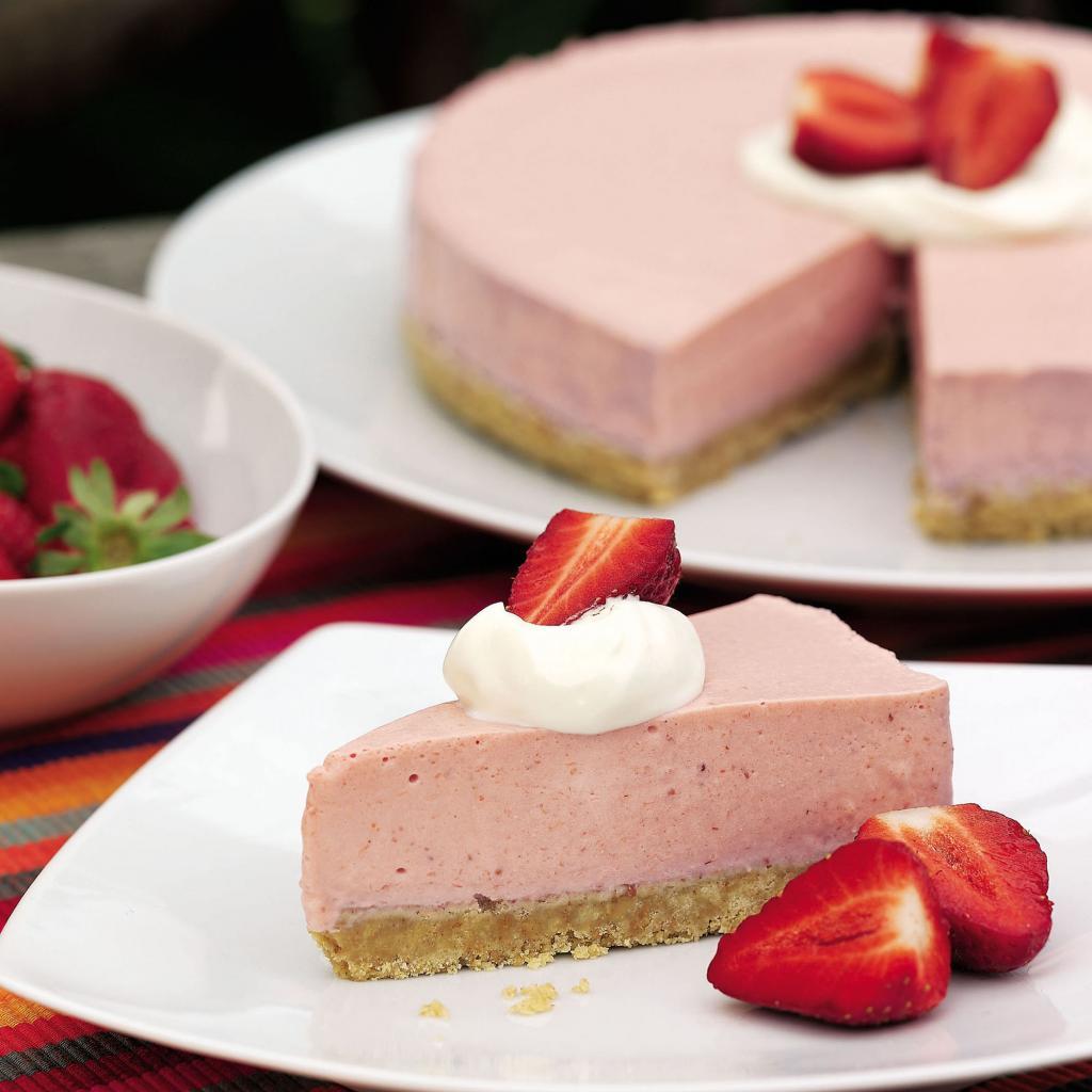 йогуртовый торт мусс с клубникой