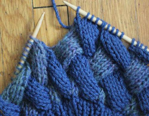 узор плетенка спицами с описанием