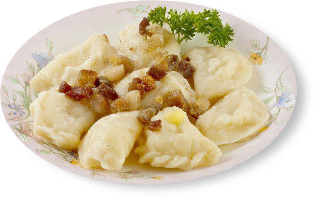 Готовить картофель с фаршем и сыром