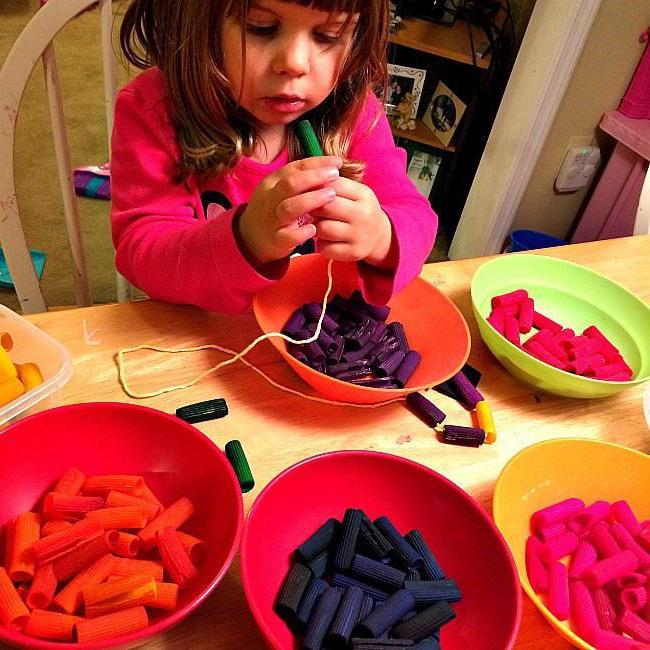 Как сделать бусы детям своими руками фото 31