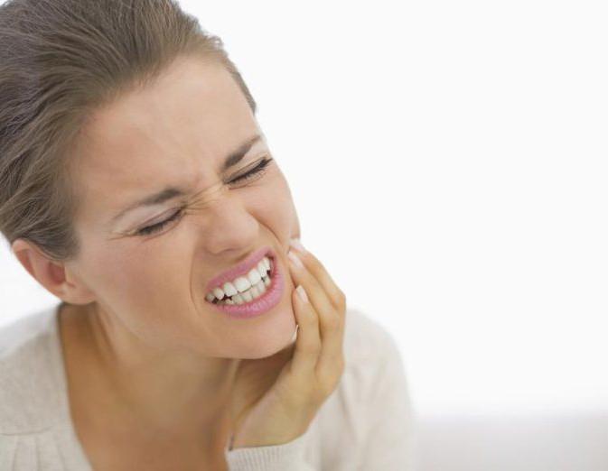 Можно ли пить вино после удаления зуба