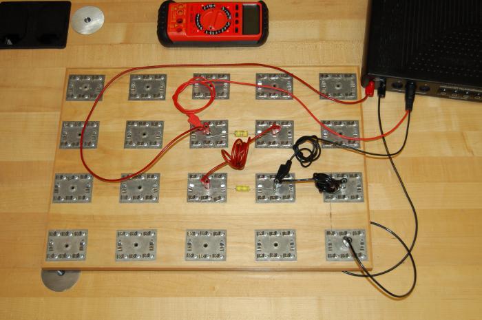 для чего нужны конденсаторы в схемах
