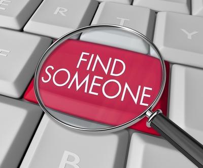 как найти фотки знакомых