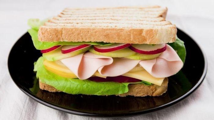бутерброды с колбасой и сыром фото