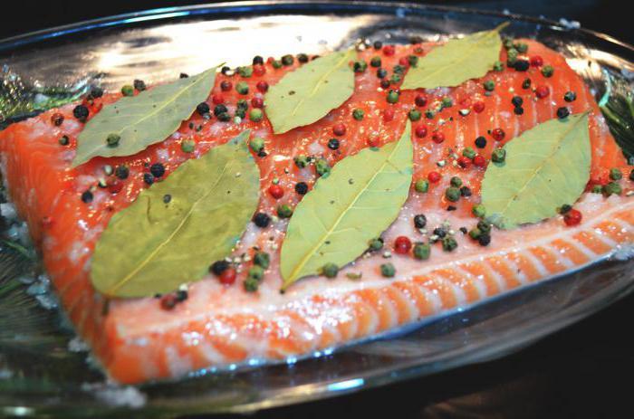 вкусная соленая красная рыба