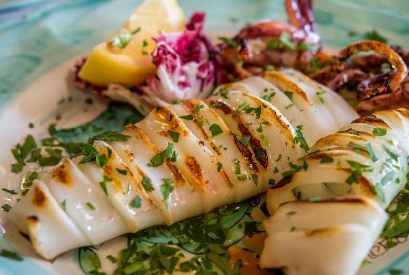 видео блюда из кальмара рецепты с фото простые проинструктировал