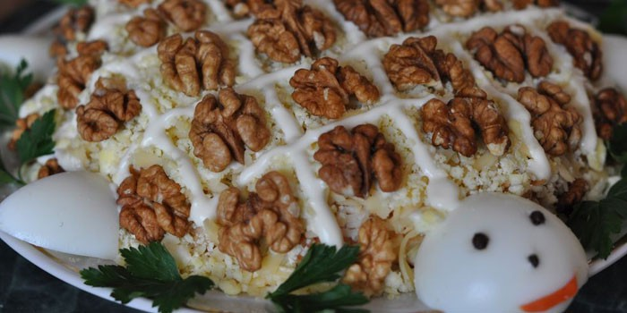 Turtle Salad with Nuts