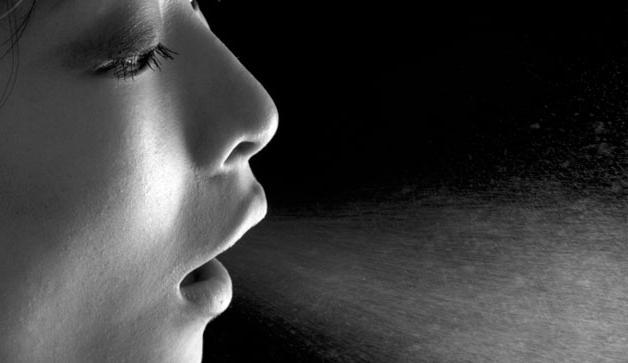 запах изо рта домашних условиях