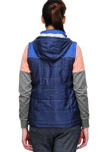 пуховик или пальто с наполнителем из полиэстера
