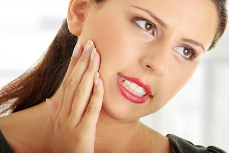 удалили зуб болят зубы