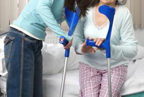 переломе тазобедренного сустава первая помощь
