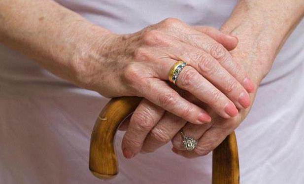 Можно ли получить пенсию после смерти родственника