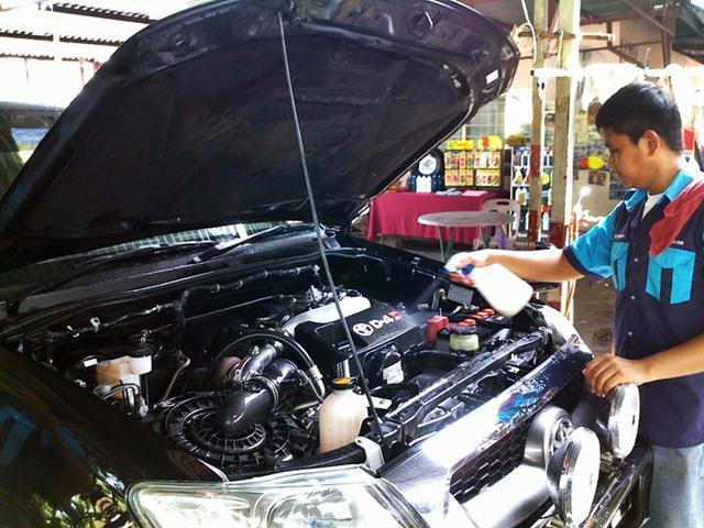 средства для мытья двигателя