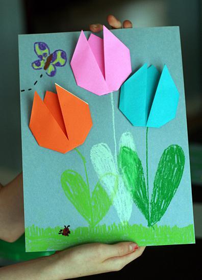 сделать из бумаги тюльпан
