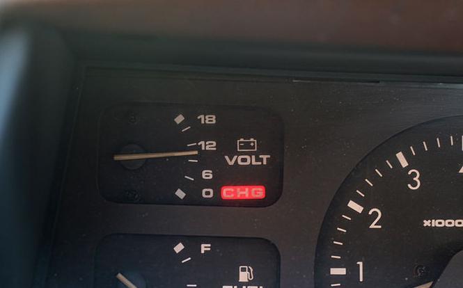 Напряжение заряда аккумулятора автомобиля