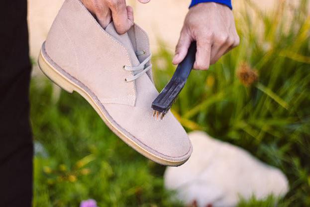 как чистить обувь из нубука от грязи