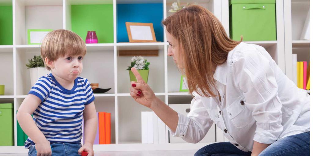 Ребенок в 3 года не слушается родителей
