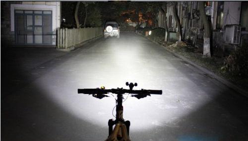 задняя фара на велосипед