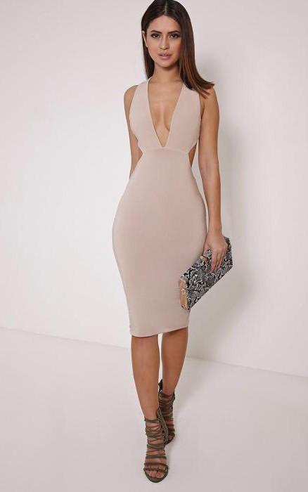 Красивые женские фигуры в платьях