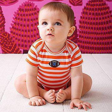 в 8 месяцев ребенок не сидит