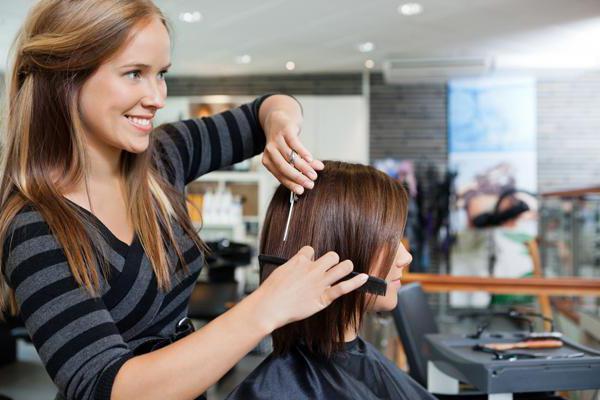 стричь волосы по лунному календарю август