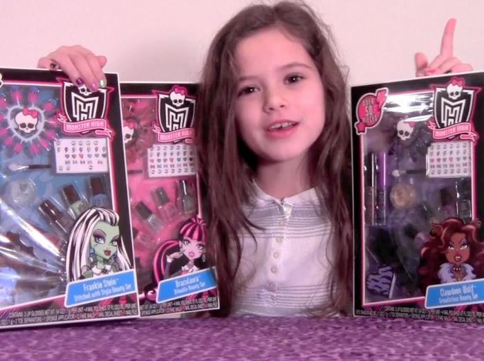 Косметика для куклы видео