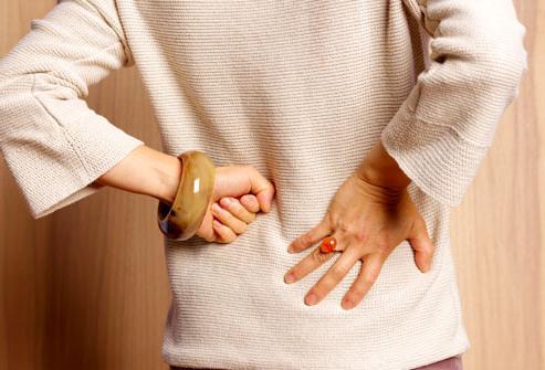 симптомы кисты почки у женщин