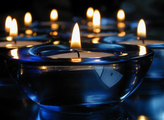 Три свечи на столе